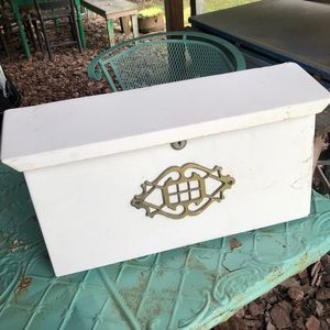 Vintage Wall Mount Mail Box Letter Box White Gold